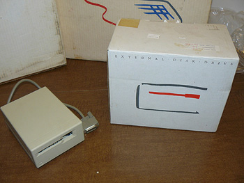 128k Mac ext floppy box sm
